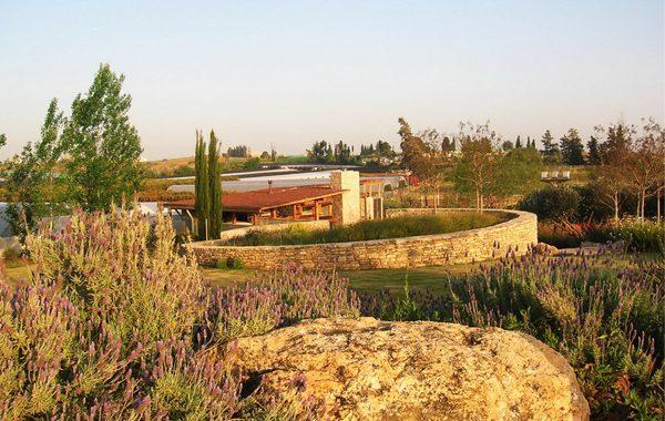 אורוות בכפר נטר