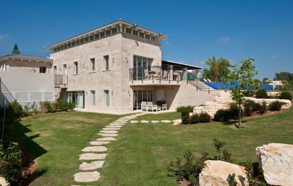 הבית מעל הזיתים